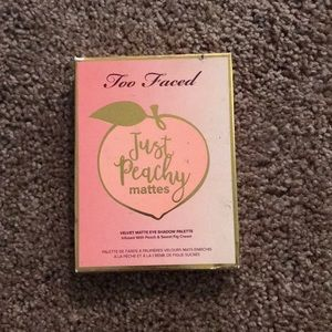 Brand new too faced just peachy palette